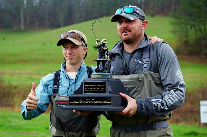 Big fish winner and guide (800x533).jpg