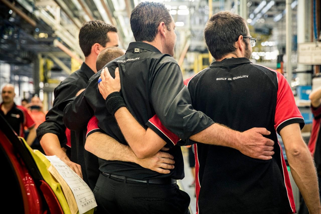 Holden End of Manufacturing 3.jpg