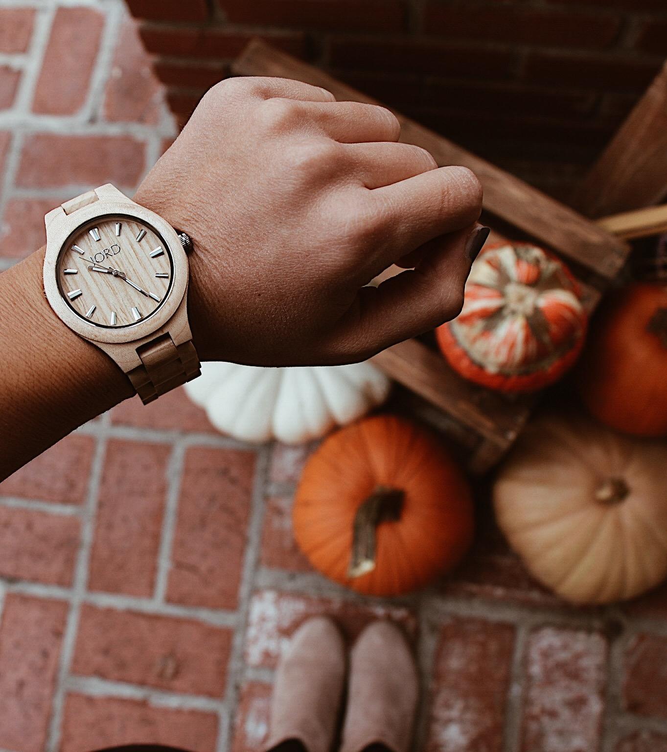 "<!-- JORD WOOD WATCHES ARTICLE WIDGET START -->  <a id=""woodwatches_com_widget_article"" ishidden=""1"" title=""Luxury Wooden Watch"">Luxury Wooden Watch</a>  <script src=""// www.woodwatches.com/widget-article/bysaraisabel "" type=""text/javascript""></script>  <!-- JORD WOOD WATCHES ARTICLE WIDGET END -->"