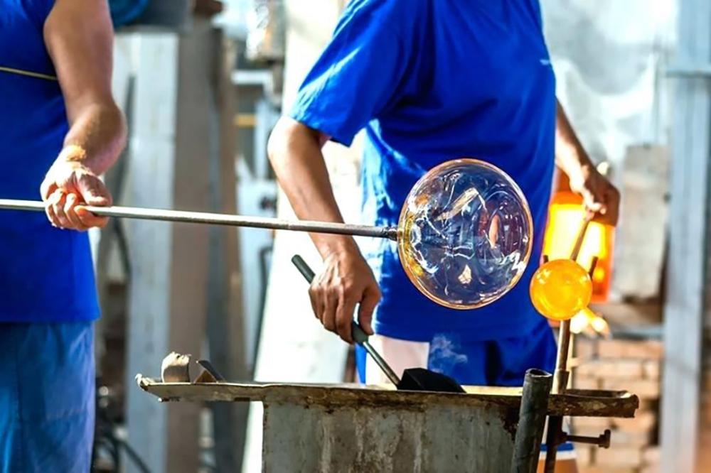 Glass_Blowing_Murano.jpg