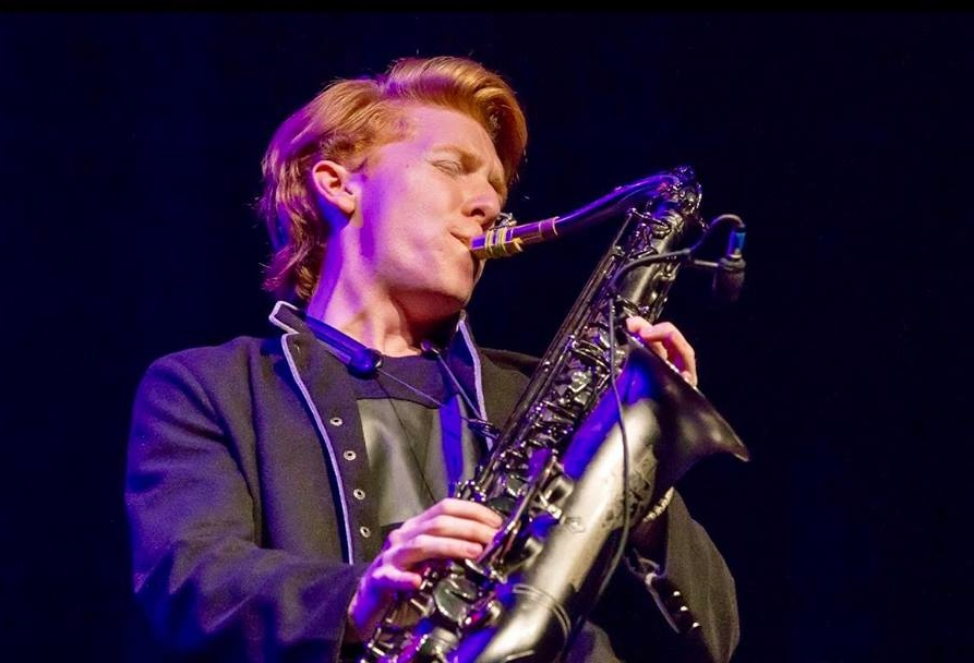 CHASE HUNA - Contemporary Saxophonist