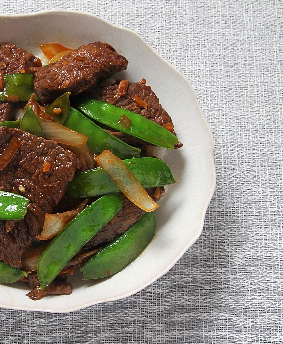 I was seriously missing this beef and snow pea stir fry the other day. I might add it to next week's plan! It was unbelievable.