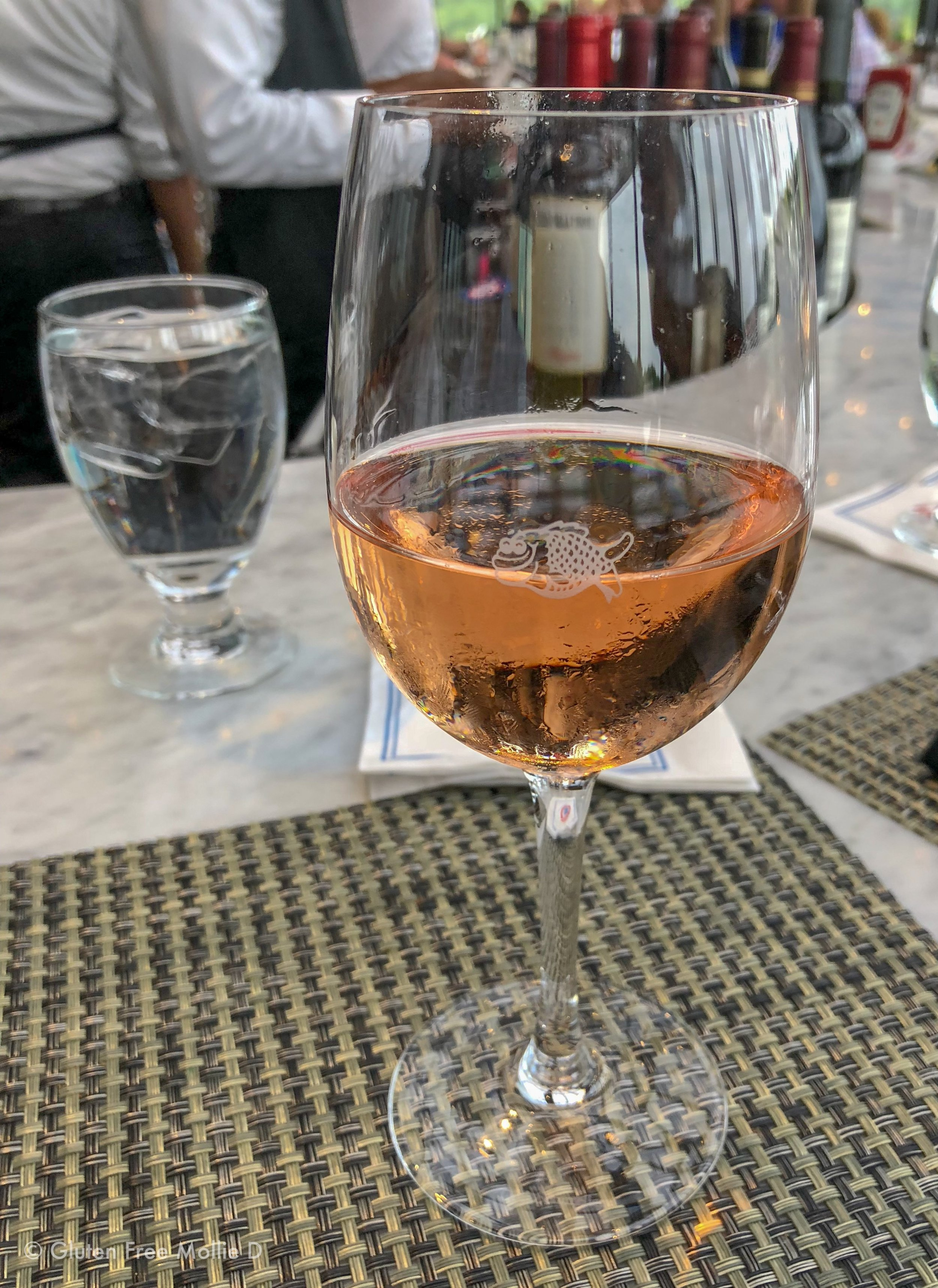 Post-shopping rosé; the joys of the weekend!