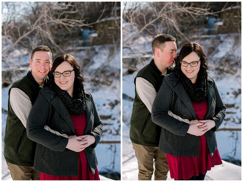 Minnehaha Falls Engagement session Lauren Baker Photography Winter engagement session