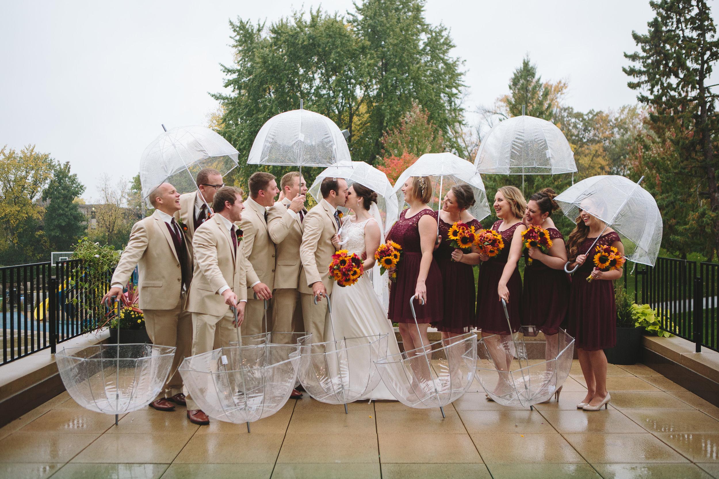 Lauren Baker Photography prepare for rain on wedding