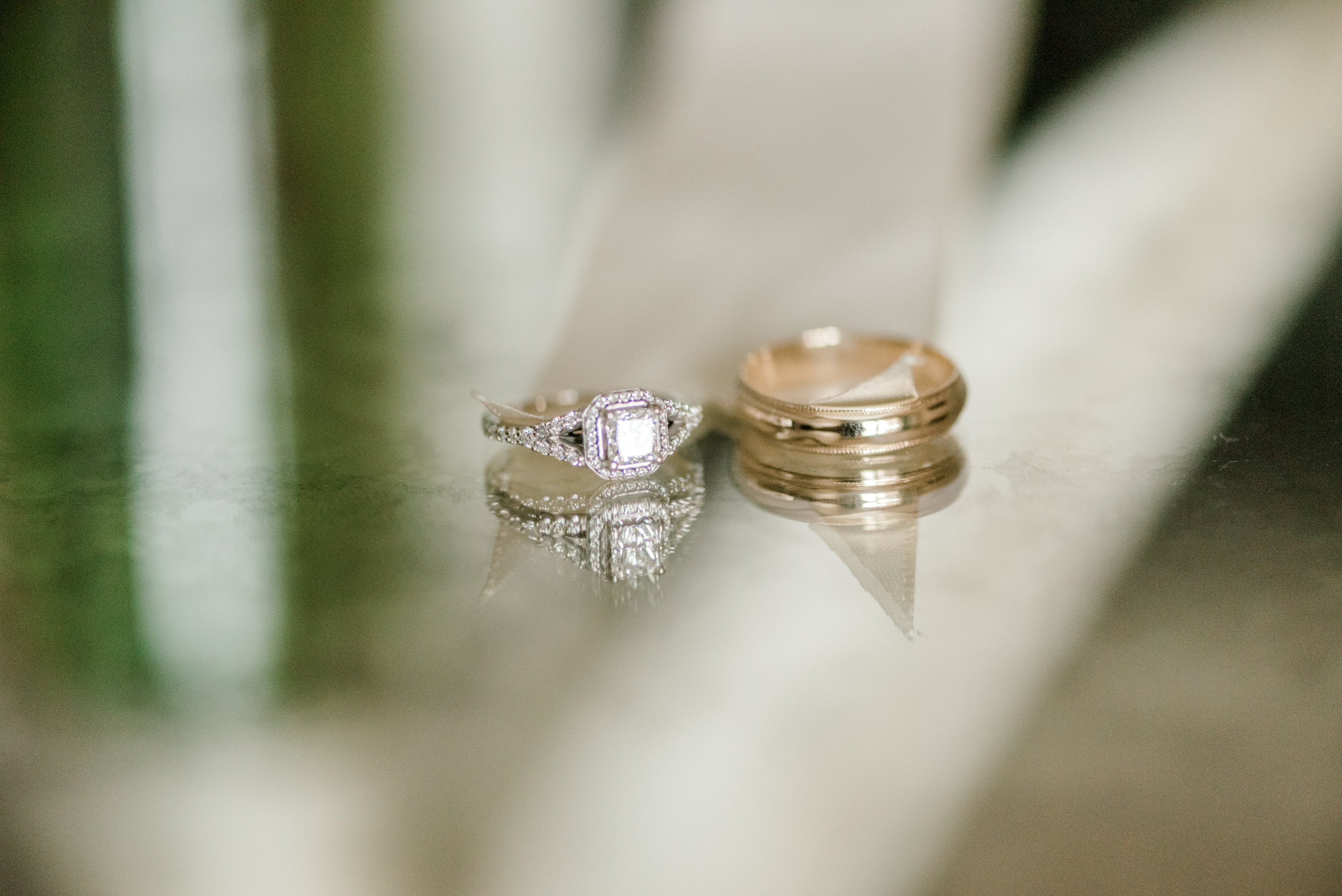 Minnesota wedding photographer bridal detail photos wedding rings Lauren Baker Photography
