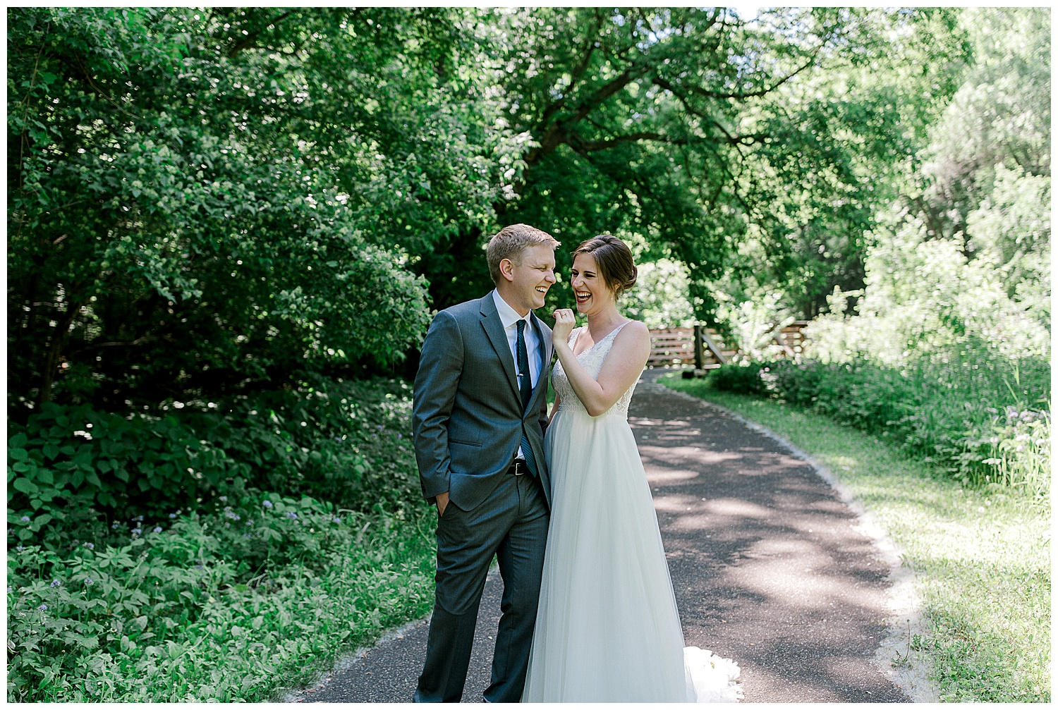Lauren Baker Photography Historic Concord Exchange Summer wedding Minnesota