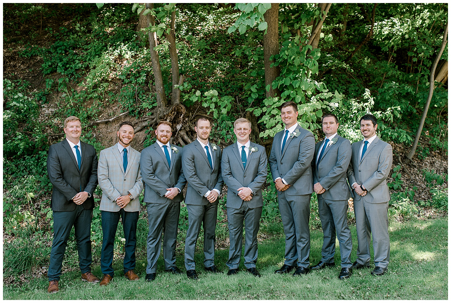 Lauren Baker Photography The Historic Concord Exchange Summer Minnesota Wedding