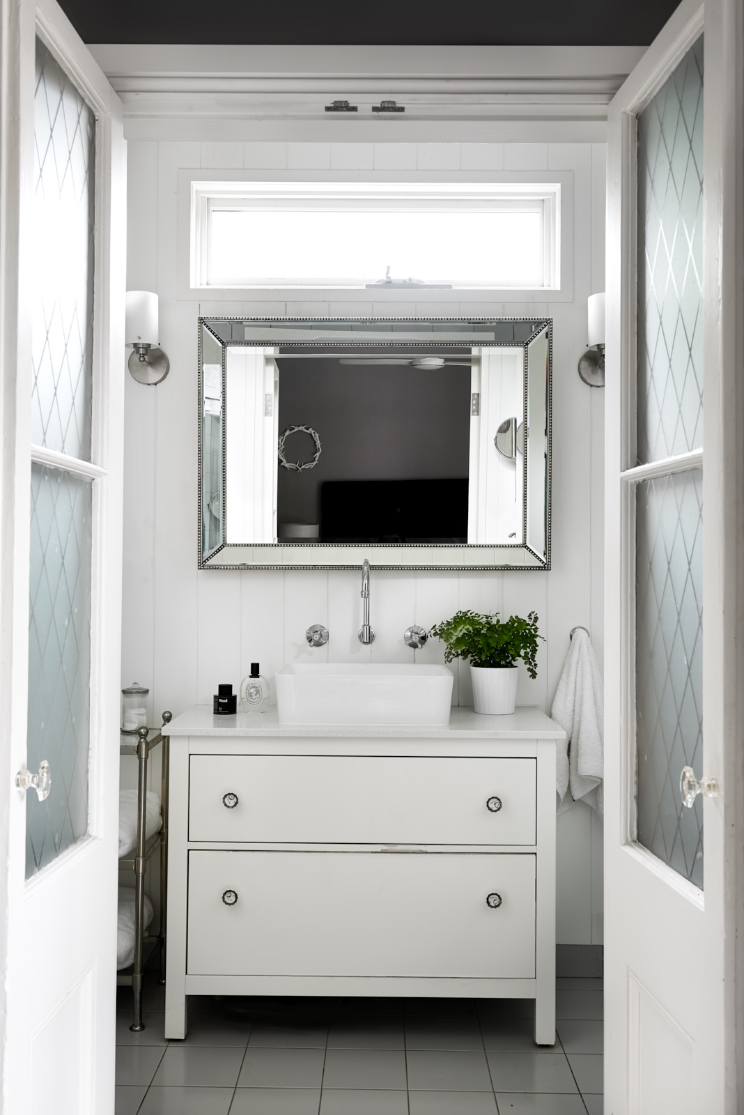 interior-decorating-bathroom-vanity-Liz-Hayward