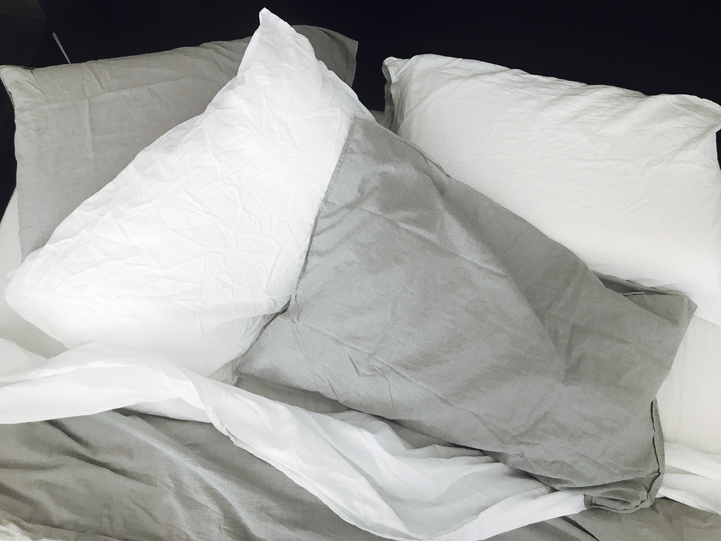 interior-decorating-pillows-Liz-Hayward.jpg