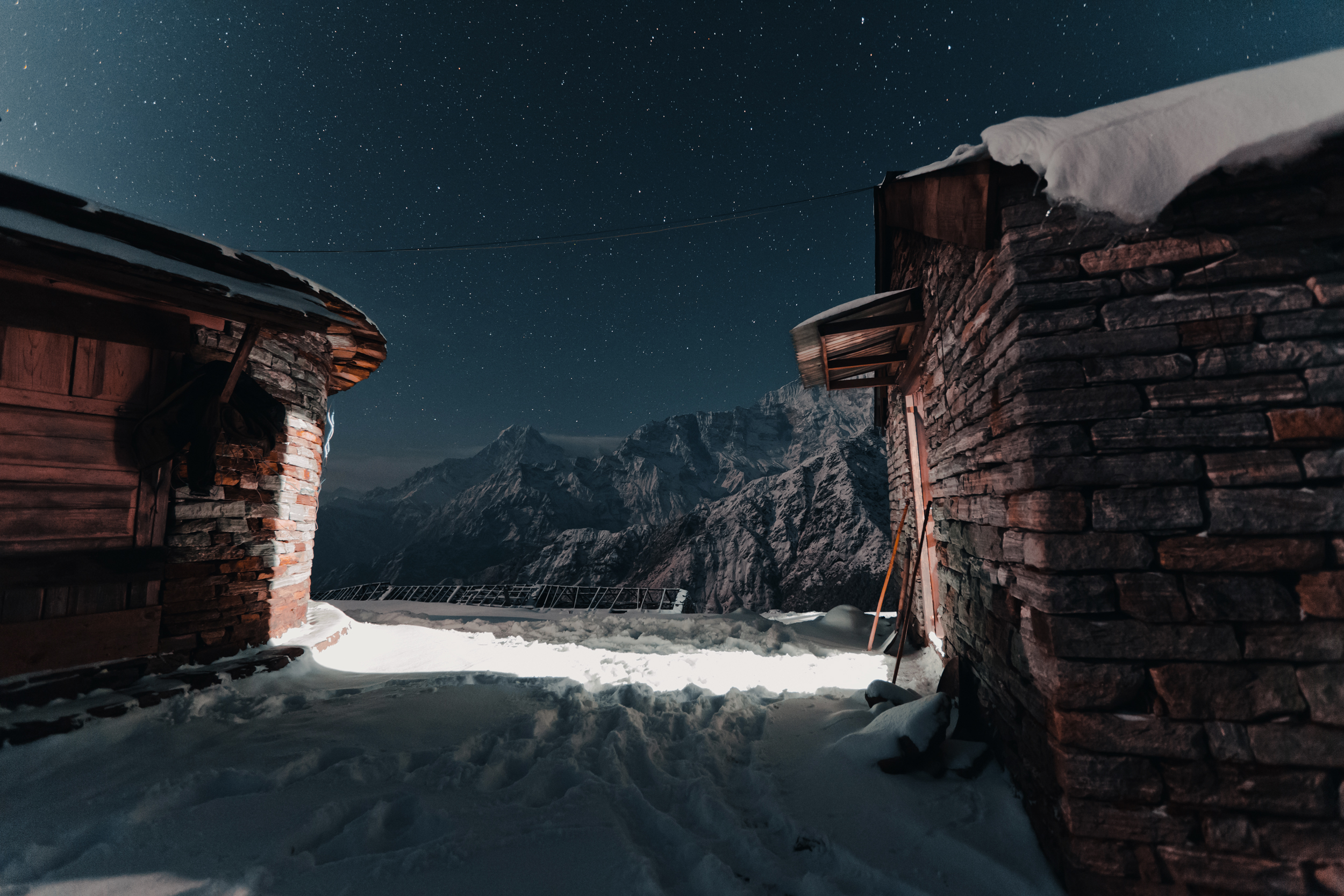 khopra-ridge-night-snow.jpg