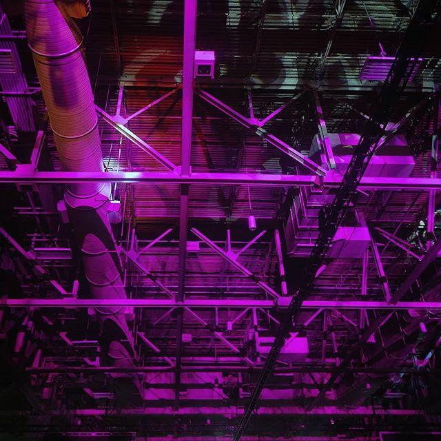 Purple Salt Palaces - 07/18/19 SLC . . . . . . #colorlover #colorhunter #purplecolor  #cromaticrelationship #saltpalace #exposedpipes #ceiling