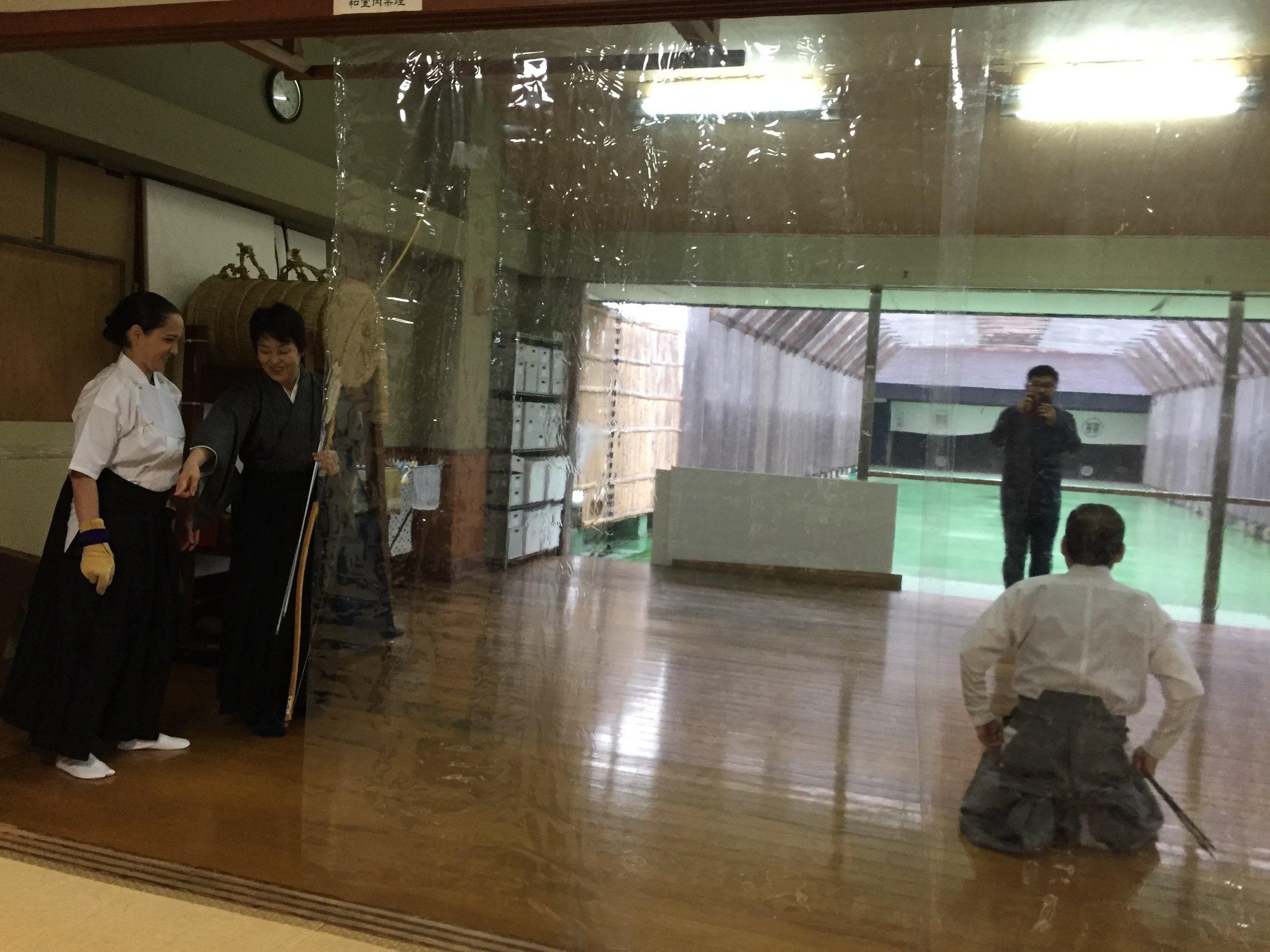 deeperjapan_tokyo_kyudo_customer_03.jpeg