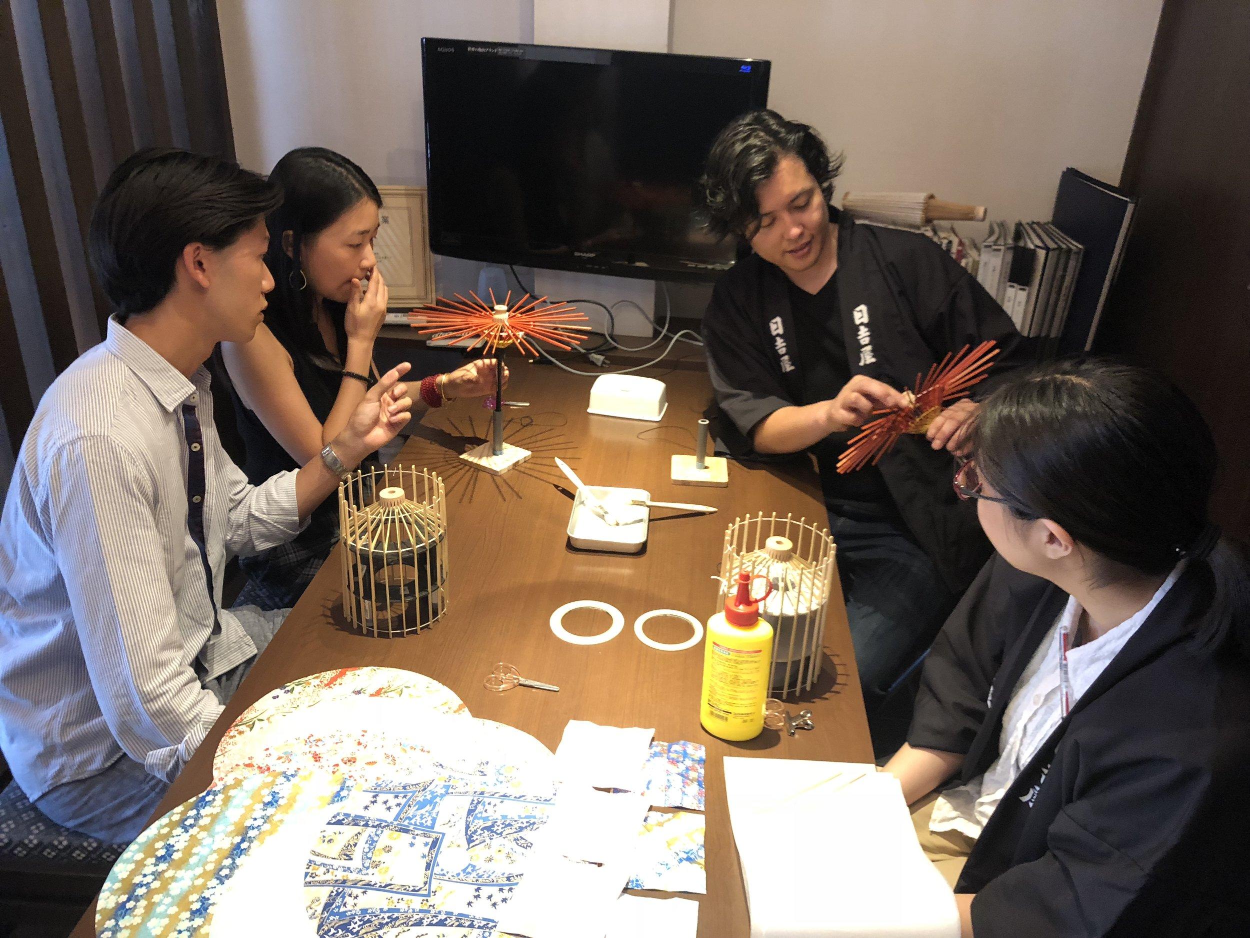 deeperjapan_kyoto_wagasa_customer_01.jpg