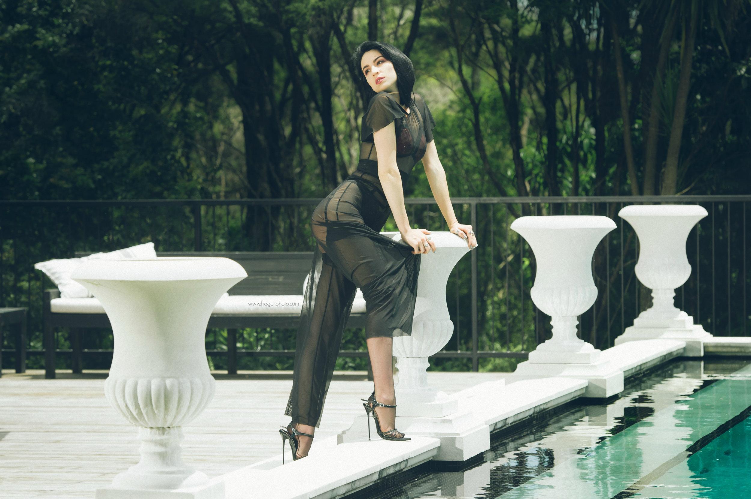 Nicole - St Tropez - Uploaded Dec 10th