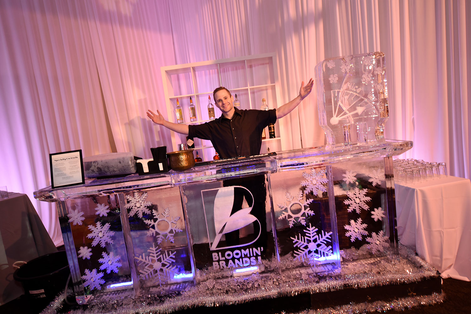 10twelve-toast-bloomin-brands-event-catering-artistic.jpg