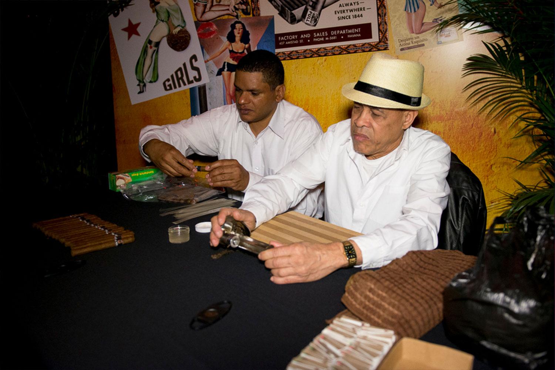 toast-bacardi-cigar-activity-interactive-party-10twelve.jpg