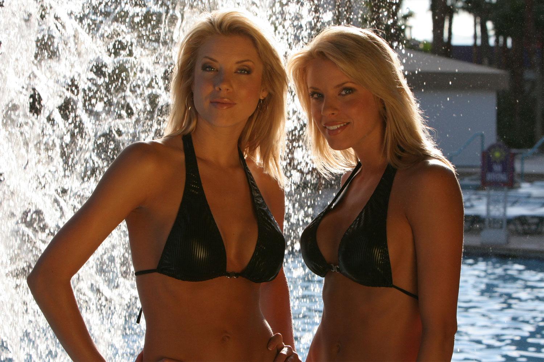 toast-model-blonde-swimsuit-photography-events-10twelve.jpg
