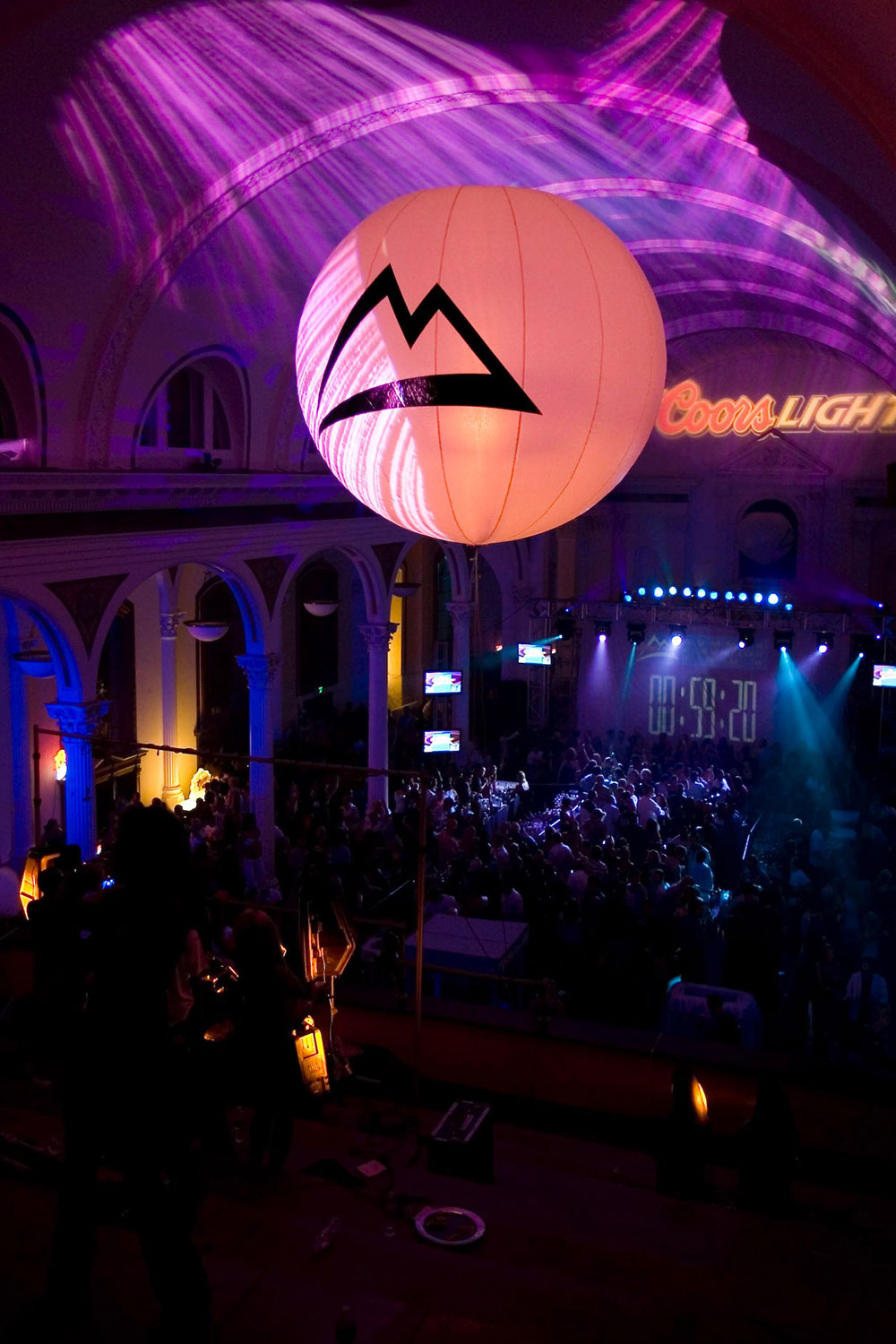 toast-coors-light-decorations-ballroom-party-10twelve.jpg