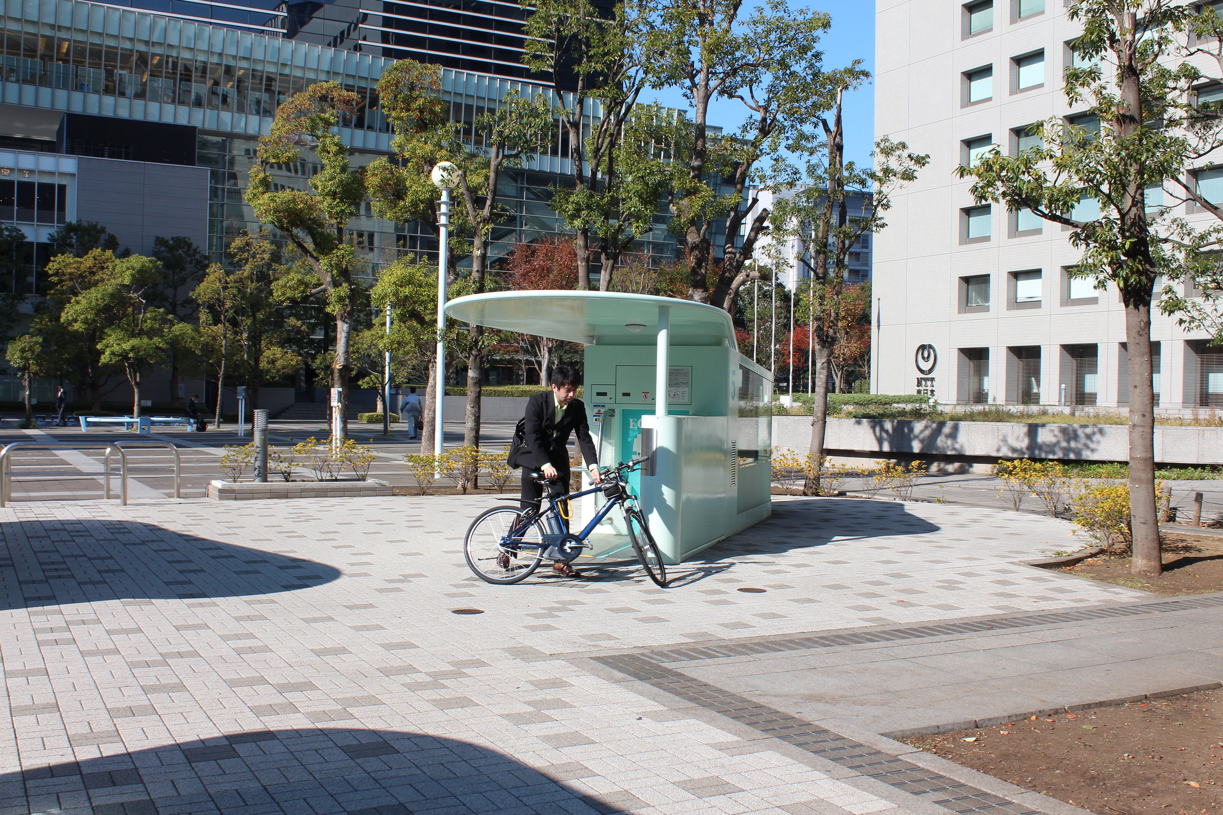 Amazing Tokyo bike parking pulls bike into device and in seconds it's in a secure underground carousel.25.JPG