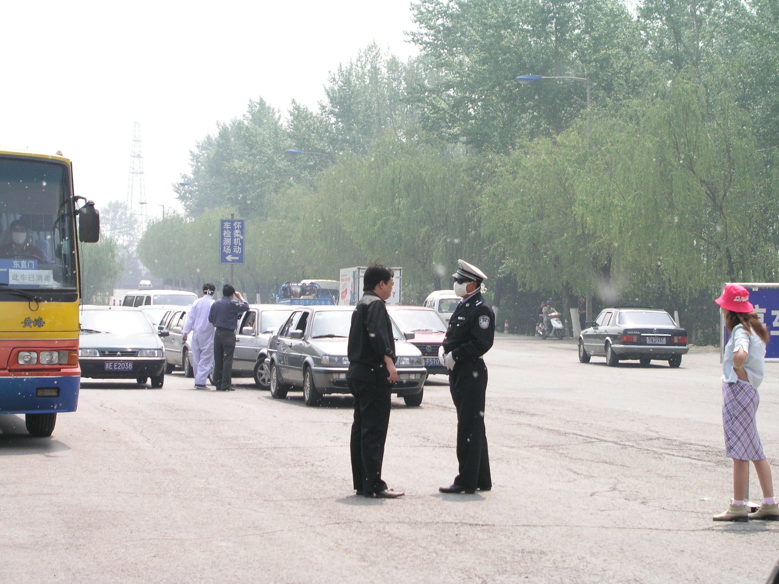 From Shanxi to Hubei to Beijing I saw the epidemic stopped by setting up fever stations, and forcing everybody who had a temp to go to a fever hospital.20.JPG
