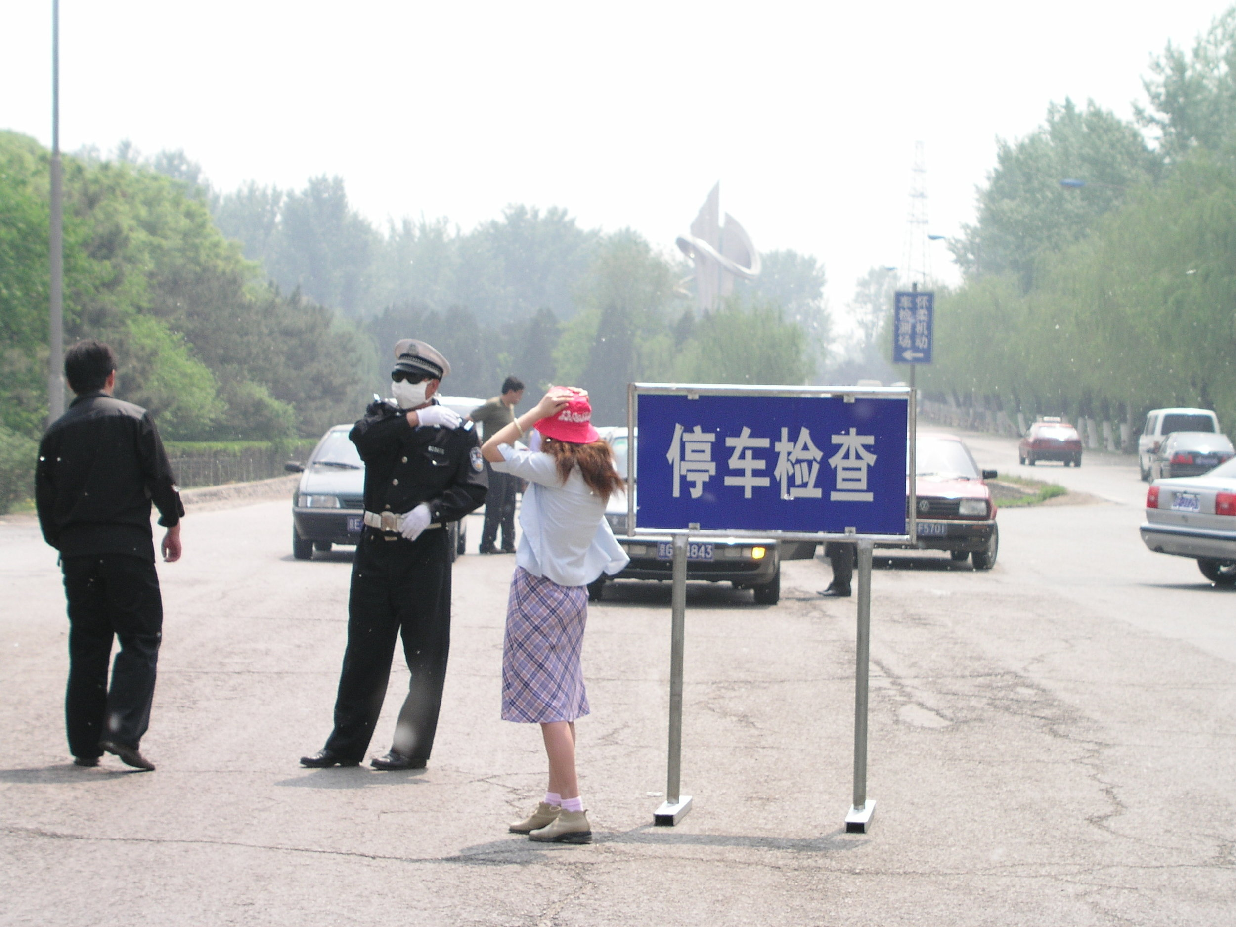 From Shanxi to Hubei to Beijing I saw the epidemic stopped by setting up fever stations, and forcing everybody who had a temp to go to a fever hospital.22.JPG