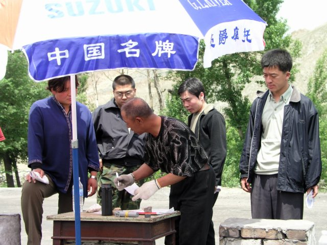 From Shanxi to Hubei to Beijing I saw the epidemic stopped by setting up fever stations, and forcing everybody who had a temp to go to a fever hospital.25.jpg