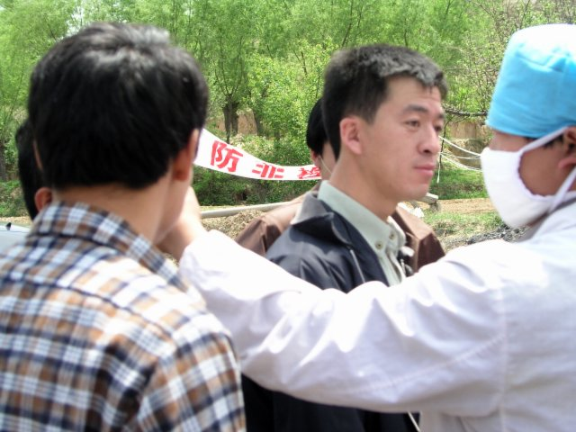 From Shanxi to Hubei to Beijing I saw the epidemic stopped by setting up fever stations, and forcing everybody who had a temp to go to a fever hospital.29.jpg