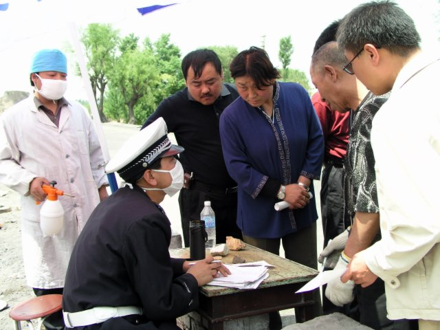 From Shanxi to Hubei to Beijing I saw the epidemic stopped by setting up fever stations, and forcing everybody who had a temp to go to a fever hospital.35.jpg