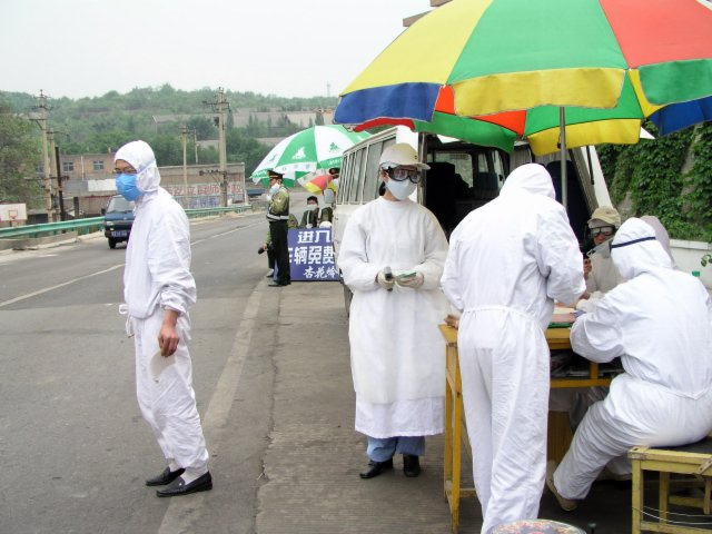 From Shanxi to Hubei to Beijing I saw the epidemic stopped by setting up fever stations, and forcing everybody who had a temp to go to a fever hospital.36.jpg