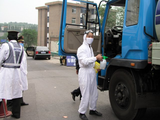 From Shanxi to Hubei to Beijing I saw the epidemic stopped by setting up fever stations, and forcing everybody who had a temp to go to a fever hospital.46.jpg