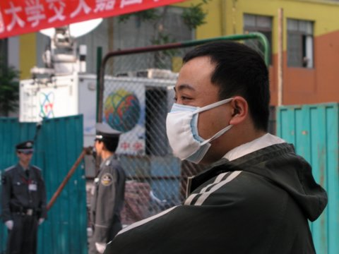 Inside Beijing, unable to leave, wearing two masks at a time.jpg