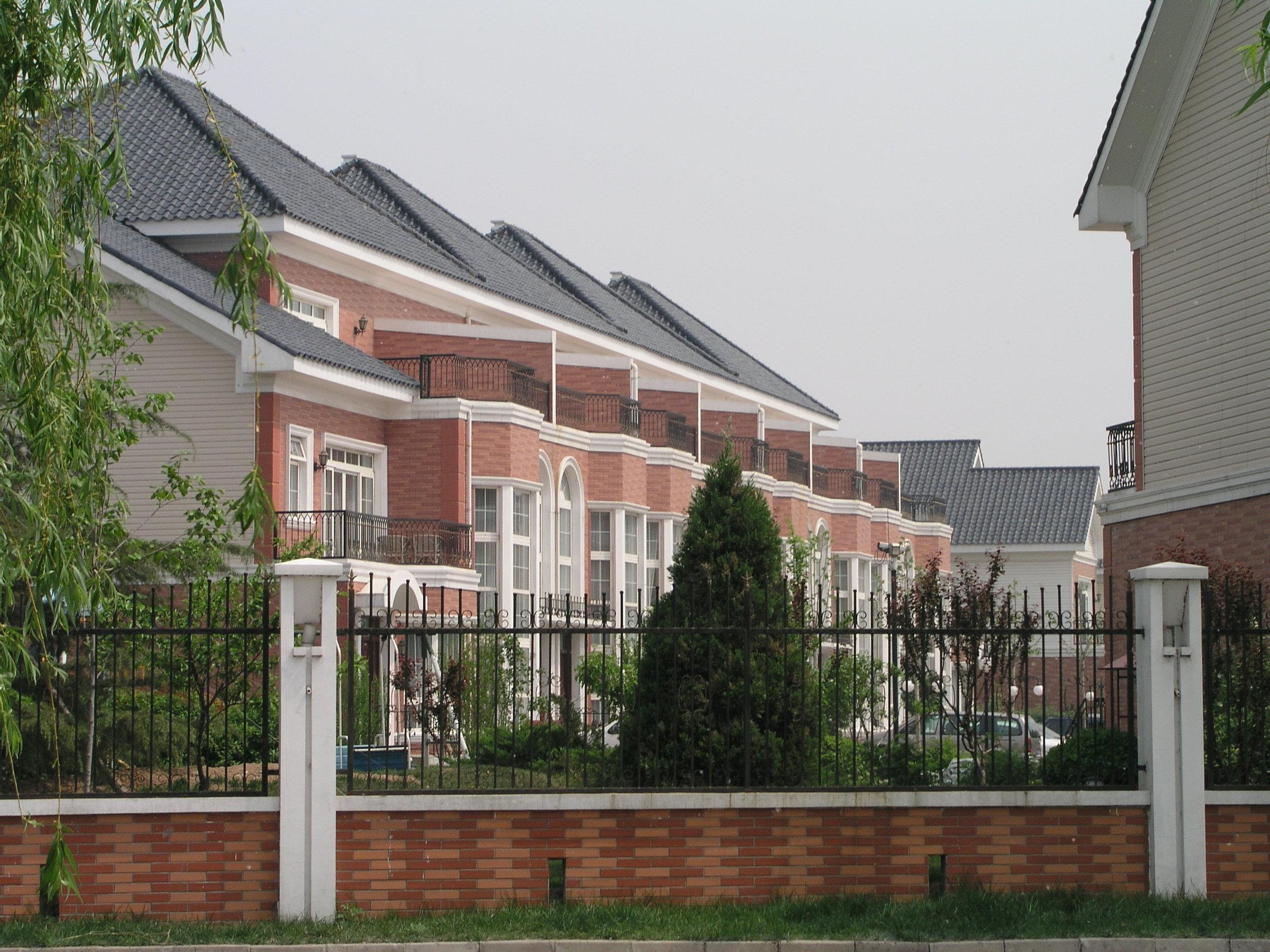 In the wealthy gated commuities of Beijing's super-rich fear kept everyone indoors.JPG