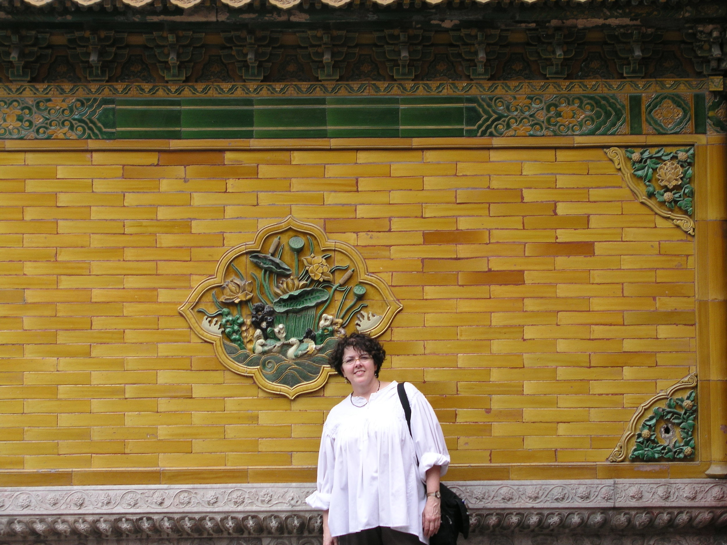 Nearly empty Forbidden City amid SARS.7.JPG