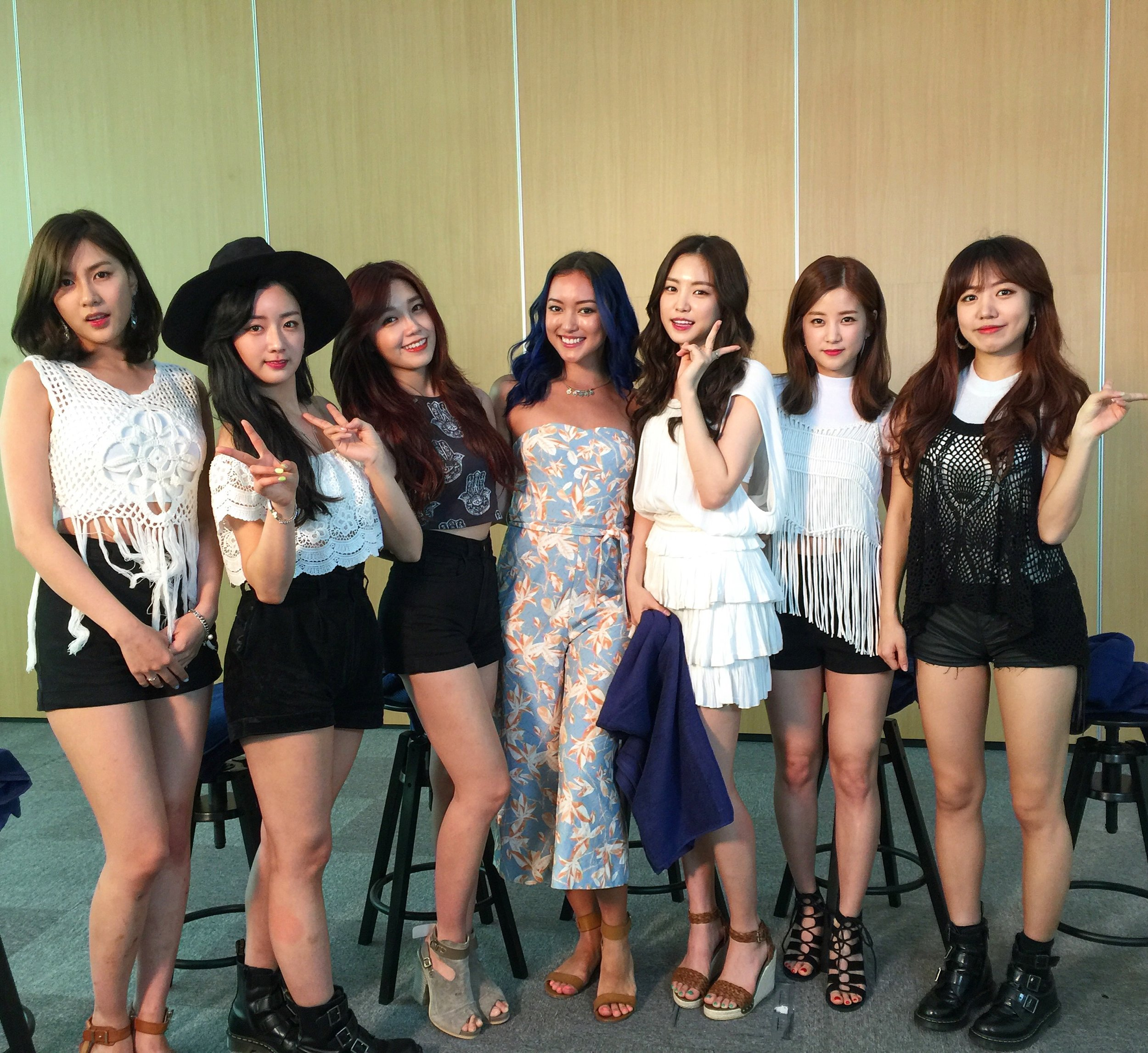 with Apink again