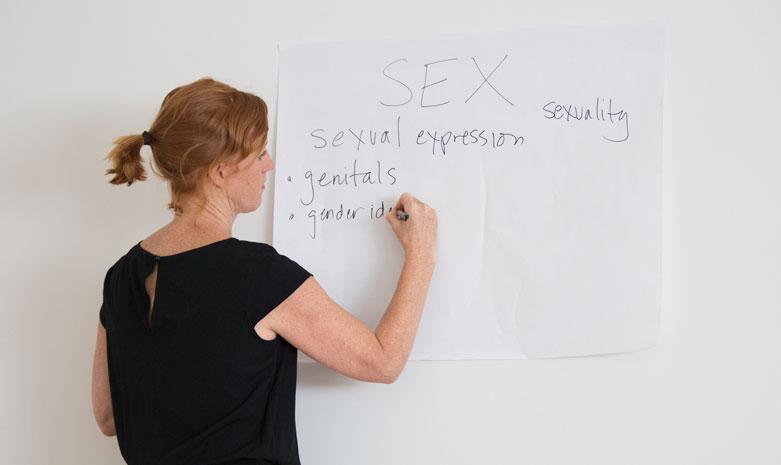 HEYMAMA CONTRIBUTOR SERIES - Meet Kimberly Johnson, The Vaginapractor