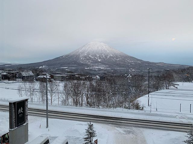 Good morning Niseko! #niseko #japan #ayaniseko #mountyotei #goodmorning #drlimmy #drlmy