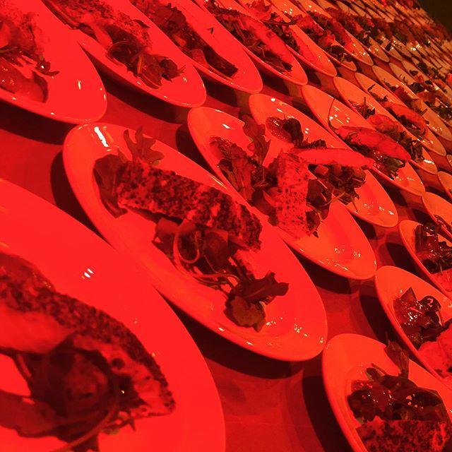@cafekronhuset #cafekronhuset #gbg #göteborg #kronhusbodarna #kronhuset #bröllop #jimlin4ever #fest #event #evenemang #förrätt #lax #fisk #varmrätt #kött