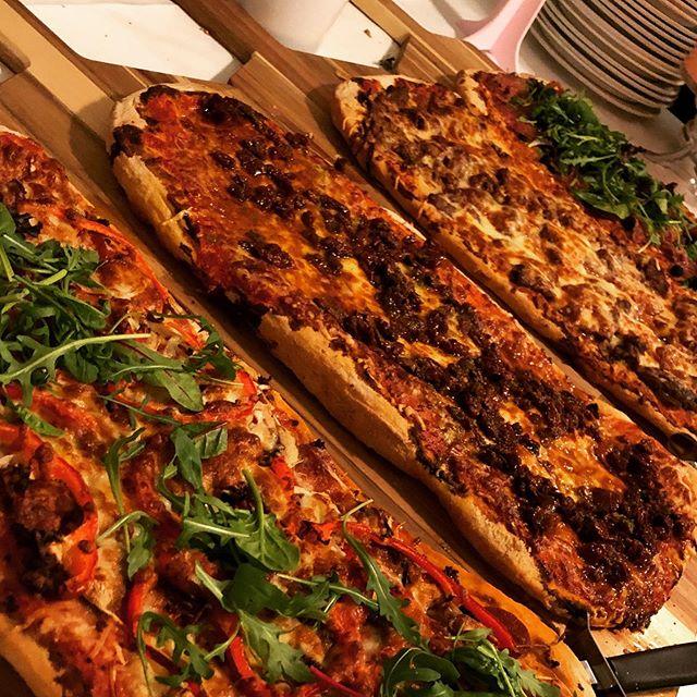@cafekronhuset #cafekronhuset #gbg #göteborg #innerstadengbg #pizza #surdeg #kronhusbodarna #kronhuset #helgmat #kött #veg