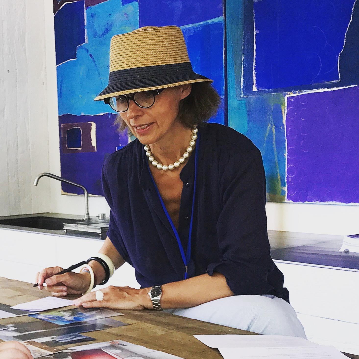 Dans les ateliers de Michèle gay les mots et les images forment a la créativité inspiration innovation Bruxelles Paris