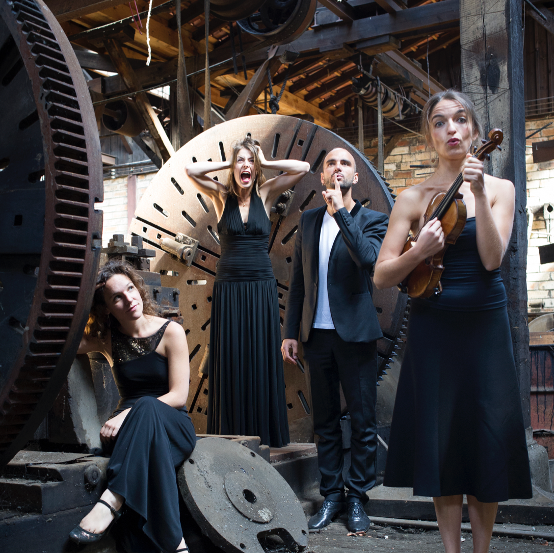 BIOGRAPHY - Since its inception in 2004, the Quatuor Voce has been recognized internationally as one of the most fascinating string quartets among the young generation. Early into its career, the quartet received top prizes from renowned international competitions, including Geneva, Cremona, Vienna, Bordeaux, Graz, London and Reggio Emilia, and since then has been committed to championing the great string quartet repertoire. In 2013, the Quatuor Voce was selected as ECHO 'Rising Stars', leading to invitations from the most prestigious halls in Europe. The Quartet recently launched their own season of concerts at the Cabaret Sauvage, a decidedly non-classical music venue in the heart of Paris's Parc de la Villette.Full biographies are available in: EN
