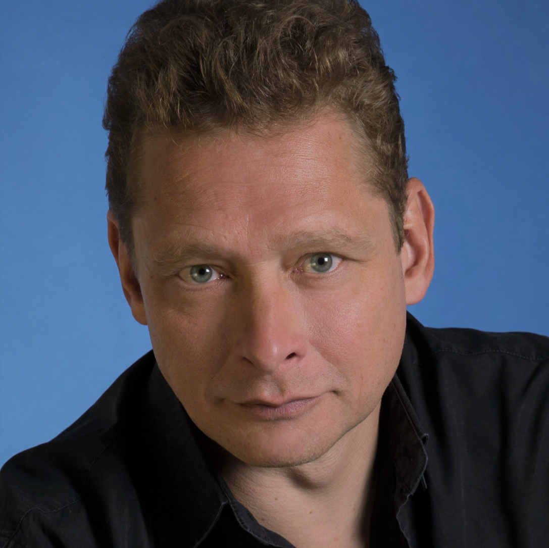 BIOGRAPHY - Carsten Wittmoser has worked in prestigious opera houses all over the world, such as Staatsoper Berlin, Deutsche Oper Berlin, Komische Oper Berlin, State Opera Munich, Teatro Real de Madrid, Monte Carlo Opera, Seattle Opera House, Detroit Opera House, Opera de Bogota, and Opera de Bellas Artes Mexico City. His operatic repertoire includes Rocco and Pizarro Fidelio, Don Basilio Il Barbiere di Siviglia, Escamillo Carmen, Scarpia Tosca, the Villains Tales of Hoffmann and the title role Der Fliegende Holländer. Recent performances include Conte d'Almaviva Le Nozze di Figaro for Opera Carolina and Kurwenal Tristan and Isolde at The Metropolitan Opera.Recent highlights include his return to Carnegie Hall with the American Symphony Orchestra singing Luigi Nono's Intolerance and covering at The Metropolitan Opera in performances of Das Rheingold and Die Walküre. Upcoming engagements include his debut at Teatre del Liceu in Barcelona as Telramund Lohengrin.Full biographies are available in: EN | FR | DE