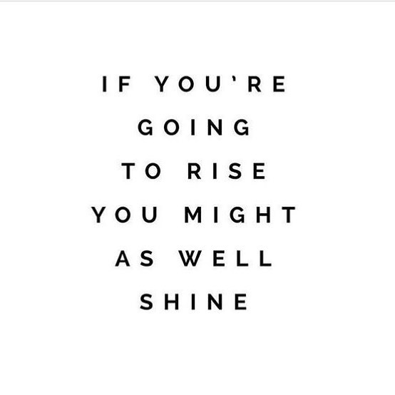 Happy Monday, ya'll. 💕 • How will you shine this week? ✨ • #monday #mondaymotivation #shine #thrive #womenempowerment #theeverygirl #theeverymom #propelwomen #liveauthentically