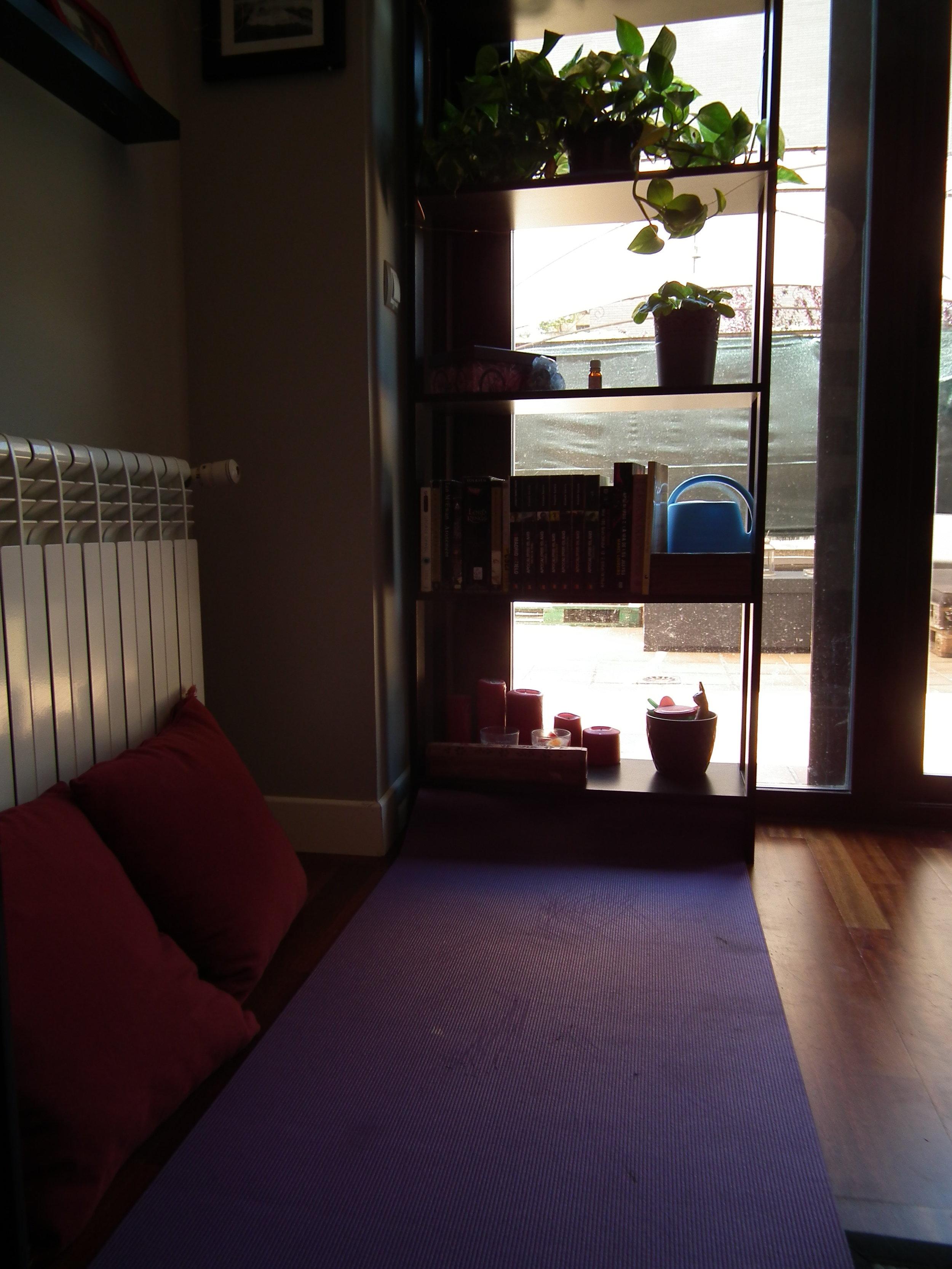 mindfulness-meditation-zen-corner-yoga-mat