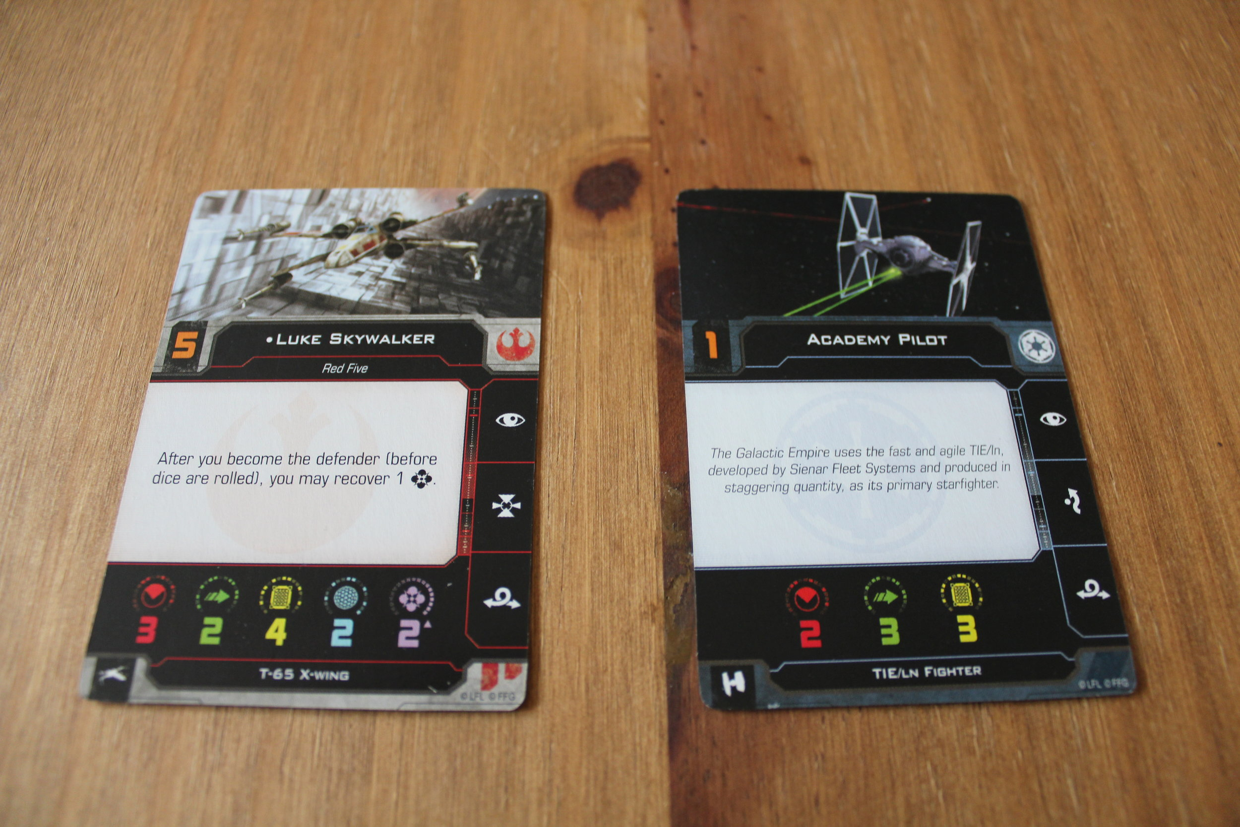 x-wing-core-set-unboxing-pilot-cards.jpg