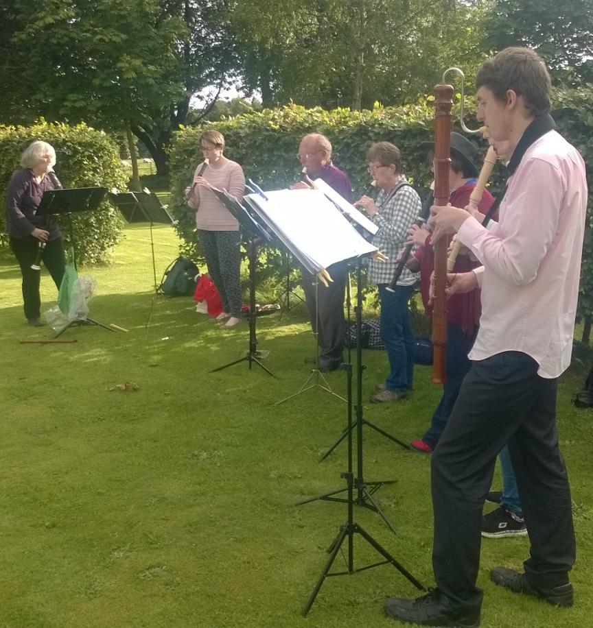 Felton Music performing Elizabethan Music before the Handlebards performance at Felton Park.