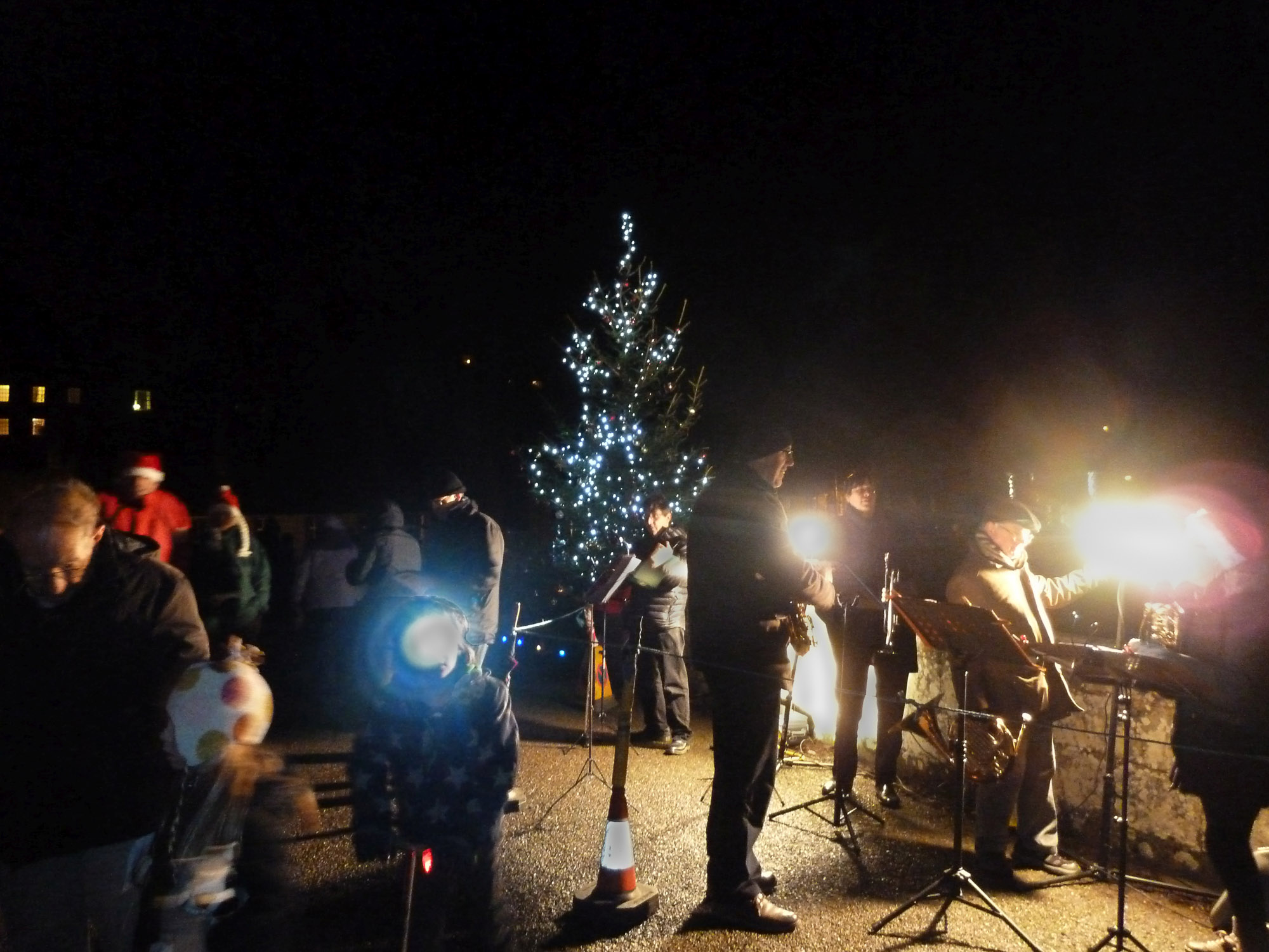 Getting ready for Carols on the bridge SL.jpg