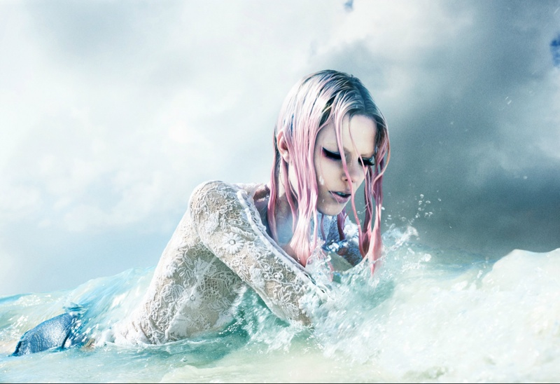 mermaid love      Image:  Numero via