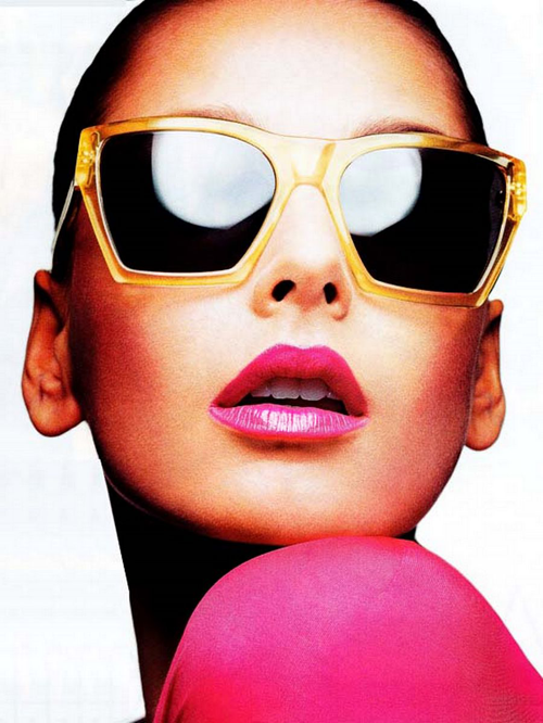 Happy Friday! Last day to enter my  $63 summer lip gloss wardrobe GIVEAWAY  from   Armour   with   gloss48  , the new cult beauty flash sale site :)    Click to enter over –>   here .             This contest + post is brought to you by gloss48; all editorial content my own; image via  Elle Italia