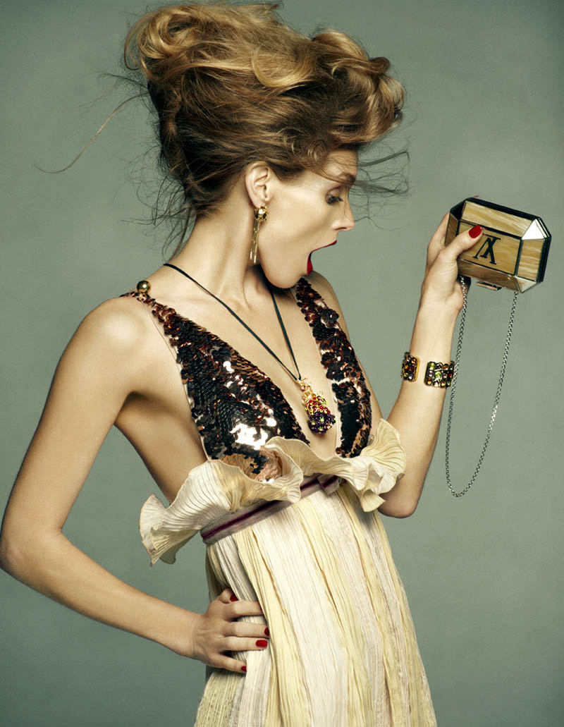 Saturday Night  Beauty.     Image: Malgosia Bela by Greg Kadel, Vogue Spain. Hair by Peter Gray, makeup by Lloyd Simmonds  via .